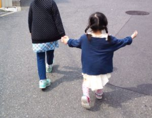 麗禾ちゃん かわいそう の声多数!幼稚園で泣くことが増えている・・・海老蔵さんの愛で包んであげて欲しい!