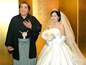 日馬富士の嫁は別居していて、国籍が日本人なのか話題になっているが・・・